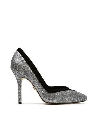 Zapatilla LOB footwearZapatilla color plata con superficie \