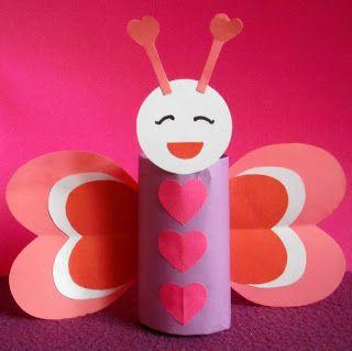 Walentynkowy motyl z rolki po papierze:
