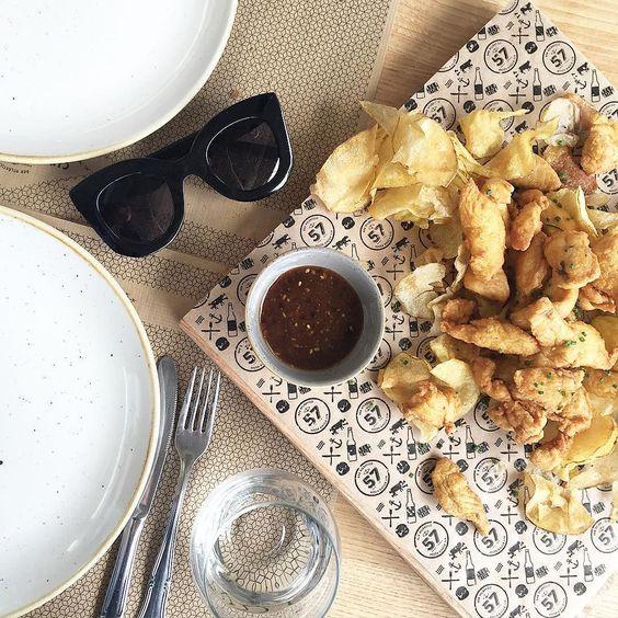Chicken with japanese barbecue sauce  || Hoy al final comimos en Bar Atlántico 57 las delicias de pollo y la croca son nuestros platos favoritos  #baratlantico #coruñasemueve #lifestyle #food #celine #chicken #japanese #recipe #chips by myblueberrynightsblog