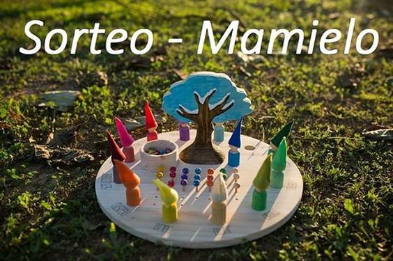 ¡Ya somos 10.000 en la página Facebook Apego, Literatura y Materiales respetuosos!  Para celebrarlo como se merece, y gracias a la empresa de juguetes ecológicos y artesanales Mamielo, sorteamos un precioso CALENDARIO ANUAL de inspiración WALDORF.  Participación extra a través de IG por invitar a vuestr@s amig@s.  http://crianzaconapegoyliteratura.blogspot.com.es/2015/11/sorteo-de-un-calendario-waldorf-mamielo.html