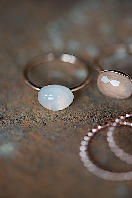вопрос 23 = Schmuck zart & filigran rose gold ring with white moon stone