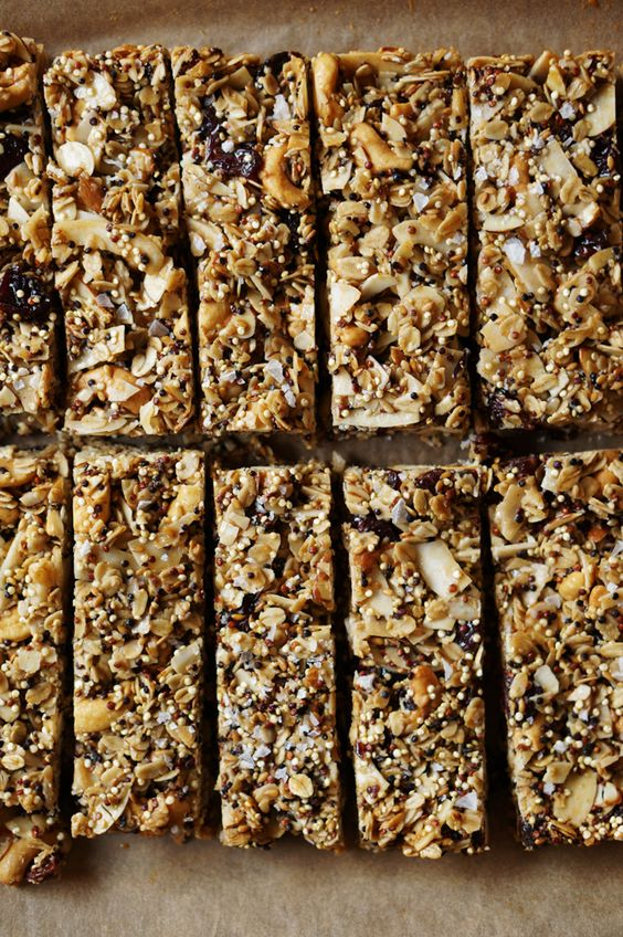 I must start making Simon granola bars for his early mornings again.  These quinoa granola bars would be good.