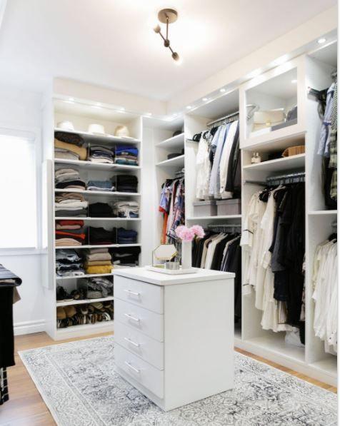 Modern Oasis For Fashion Blogger Kimberly Lapides California Closets Dressing Room Closet Dressing Room Design Closet Bedroom