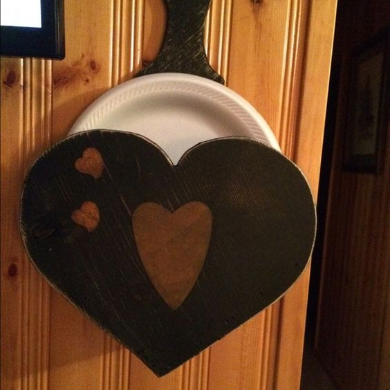 Primitive heart paper plate holder | Paper Plates, Plate Holder and ...