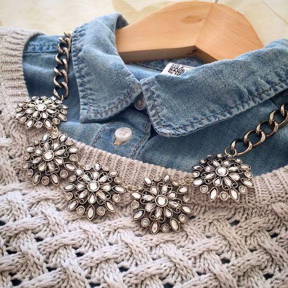 Die Cecily / / Strass Floral Anhänger Anweisung Halskette mit klobigen Silber ...,  #anhanger #Anweisung #Cecily #Die #Floral #Halskette #klobigen #mit #Silber #Strass