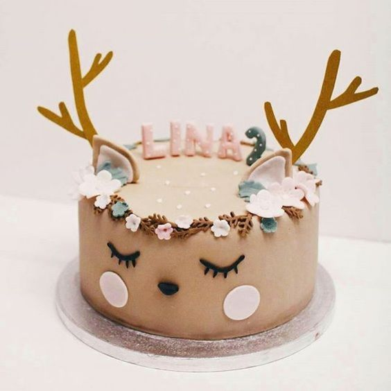 Adorable deer cake with flower crown