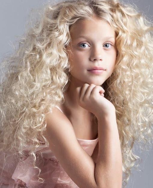 Model Face Hair