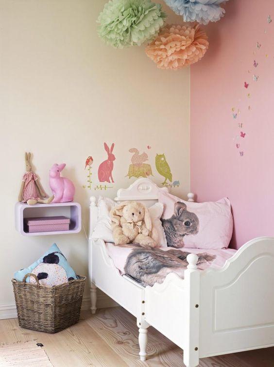 Prinssesserom: barnerommet er malt i fargen tryllestøvfra jotun ...