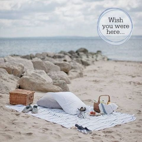 ArtSea Chic: 10 Ways To Have The Perfect Beach Picnic