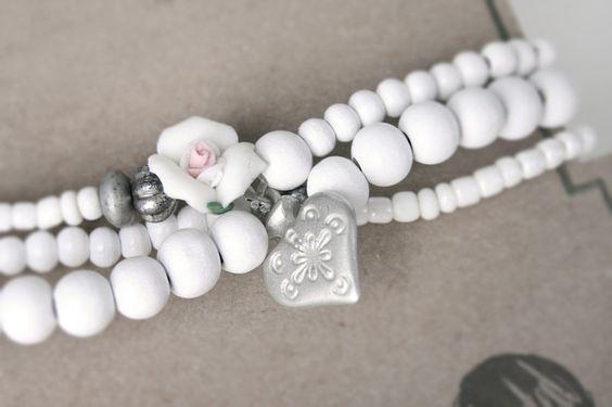 Snuggles-Cottage Shop Armbänder - Wickelarmband Lilie weiß mit Rosenblüte & H... - ein Designerstück von snuggles-cottage bei DaWanda