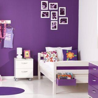 Paarse muur witte meubels en voeg er nog wat oranje accessoires aan toe daar wordt mijn - Kleine teen indelingen meisje ...