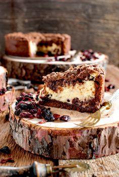 torta sbriciolata ricotta cacao fruti rossi mirtilli lamponi fragole frolla al cacao crumble ricotta iFood wood