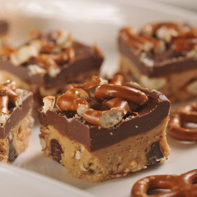 No-Bake Sweet & Salty Peanut Butter Pretzel Bars