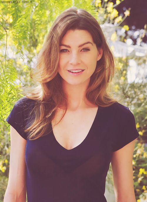 Ellen Pompeo is so beautiful. Grey's Anatomy is my absolute favorite show. Meredith and Derek are destined to be together. :)
