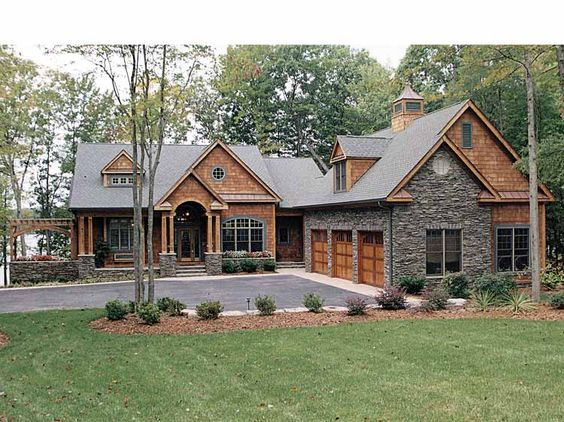 Bon I Like The Exterior Yard Layout For A Lake House. Craftsman House Plan With  4304 Square Feet And 4 Bedrooms From Dream Home Source