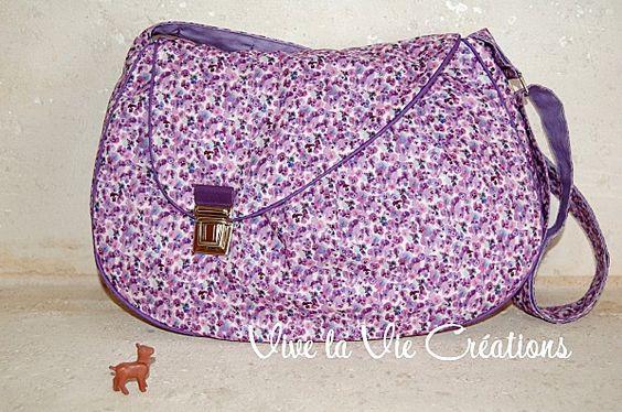 Sac demi lune en Liberty Saeed violet By Vive la Vie Créations