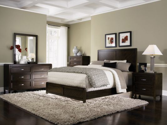 dark bedroom furniture. really nice bedroom idea has the green and dark furniture too b
