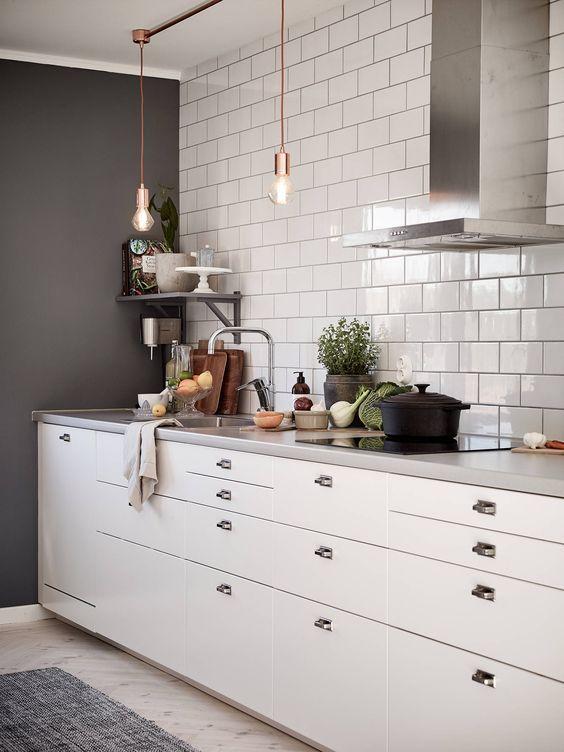 Modern Scandinavian Kitchen With Withe Marble Details Inreda Kok Kok Inspiration Kakel Kok Inspiration Retro
