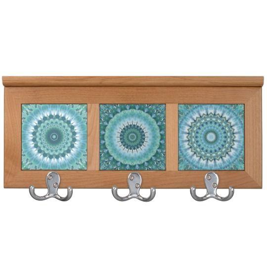 Hellblaues Weiß der Mandala-Collage geschaffen
