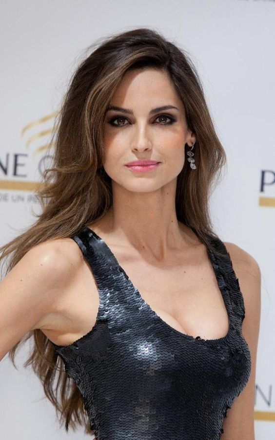 Subtle highlights women 39 s beauty and spanish on pinterest for Ariadne artiles medidas