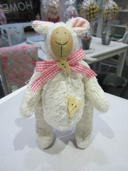 Deko-Objekte - Süßes Schaf - ein Designerstück von Sweet-Home-IrisGorhold bei DaWanda