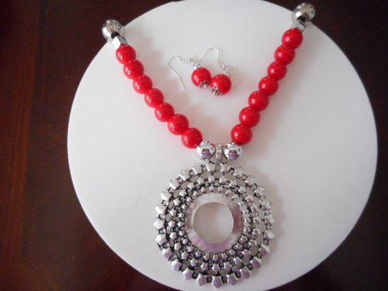 Collares, Collar con perlas rojas, Collar con Colgante, Collar paa mujer,  collar