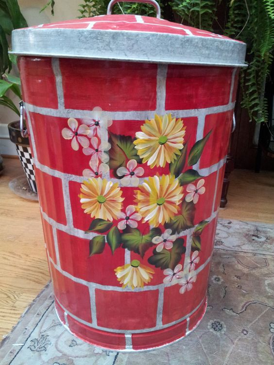 Decorative Hand Painted 20 Gallon Galvanized Metal Trash