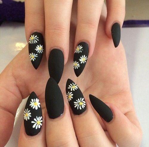 Nails Black And Flowers Image Nyxia Polyxrwma Nyxia Sxedia Gia Akrylika Nyxia