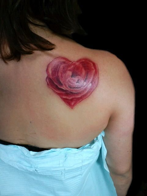 Back pieces flower and love this on pinterest for Rose tattoo on back shoulder