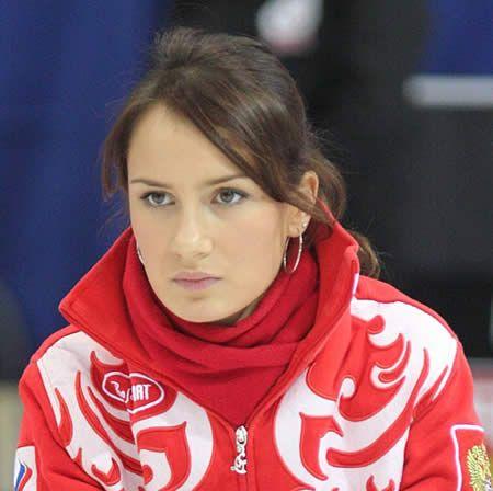 真顔のアンナ・シドロワ