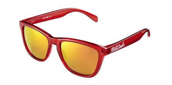 La gafa #Northweek Regular GNWRBROP Polarized se caracteriza por su forma rectangular confeccionadas en Policarbonato, la montura en color rojo brillante y las lentes naranja polarizadas.