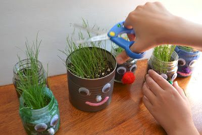 {Grass-haired} Little Friends