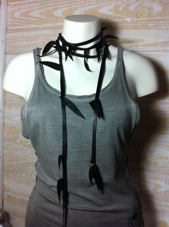 Collier-ceinture feuilles de cuir noir : Ceinture par nat-k