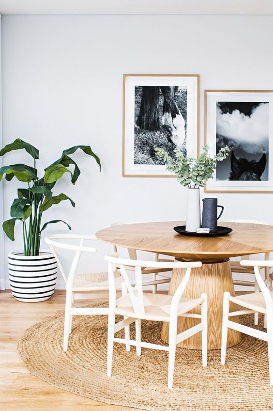 round dining table with wishbone chairs