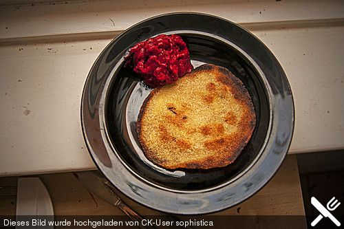 Vegane Hartweizengrieß-Pfannkuchen mit Himbeersorbet