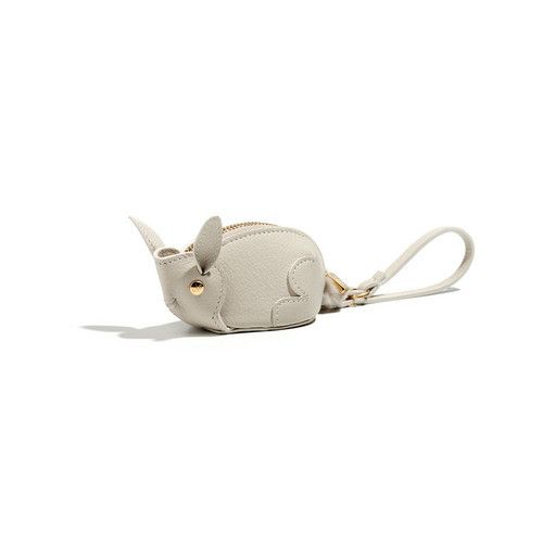 This charming rabbit purse is crafted from naturally durable, butter-soft…