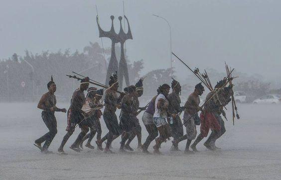 2015, índios em Brasília DF Força de um povo!