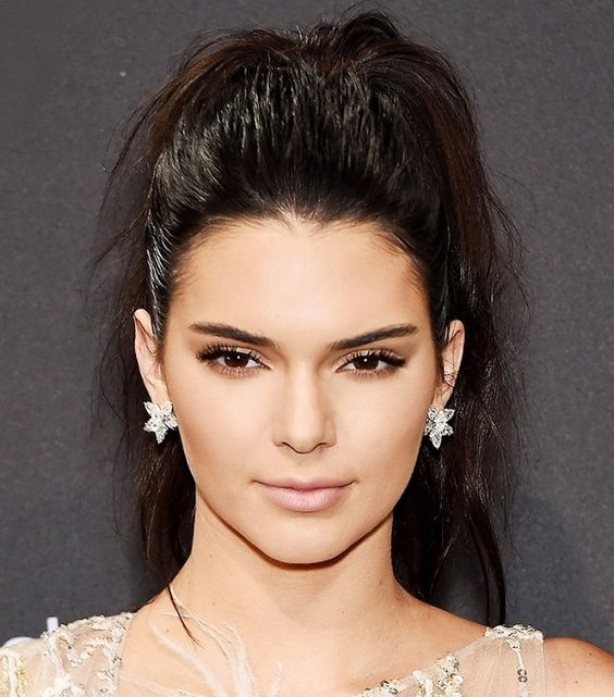 Kendall Jenner's textured, full, high ponytail is so perfect: