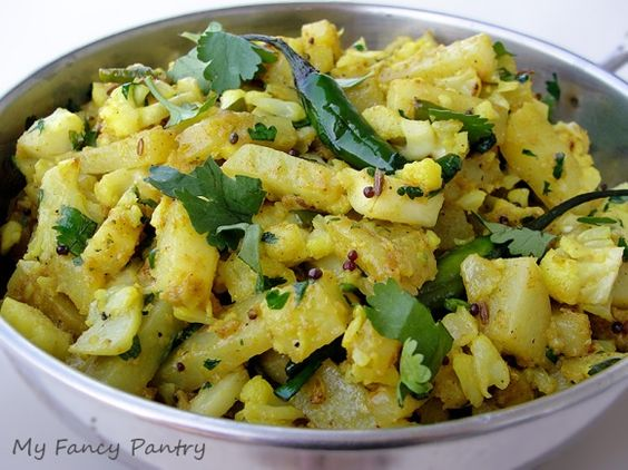 Aloo Gobi (Indian Spiced Potatoes andCauliflower)