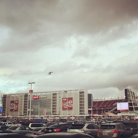 No matter rain or shine I am a niner faithful! Good win guys! #levisstadium #49ers #cometoplay #ninerfaithful