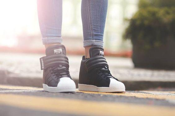 Premiera Na Http E Sporting Pl Niebawem Przedstawiamy Buty Adidas Superstar Up Strap Core Black S81350 Adidas White Adidas Adidas Sneakers