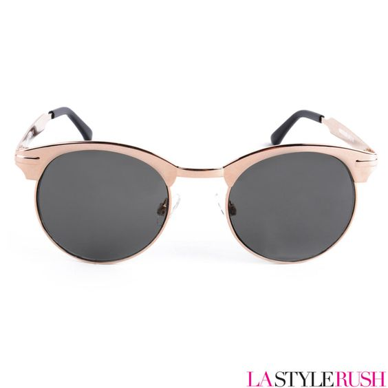 The Autotuner, a vintage inspired sunglasses from Spitfire feature a sleek gold hardware frame with round lenses. Get your vintage autotuner at LAStyleRush.com .