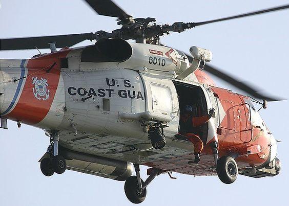 Rescatan a 35 dominicanos a 15 millas náuticas de la costa oeste de Puerto Rico
