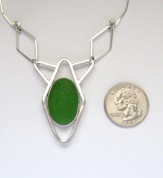 Sea Glass Jewelry Sterling Green Sea Glass por SignetureLine