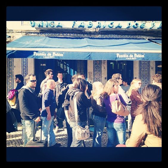 The queues outside the Pasteis de Belem bakery in Belem, Portugal