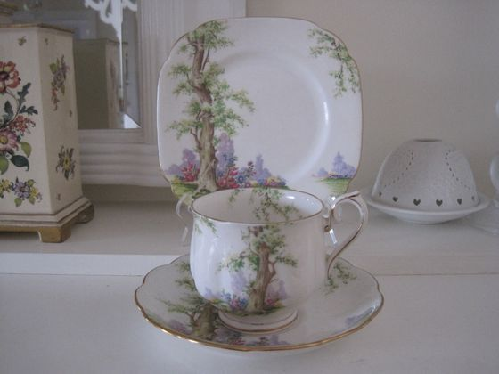VINTAGE ROYAL ALBERT GREENWOOD TREE FINE BONE CHINA TRIO