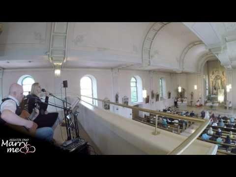 Dir Gehort Mein Herz Deutsche Hochzeitsversion Phil Collins Cover Von Marryme Akustik Duo Youtube Lieder Hochzeit Hochzeitssongs Dir Gehort Mein Herz