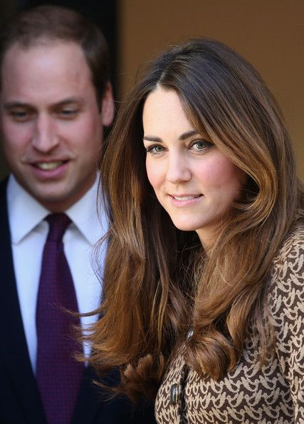 Kate Middleton Photos - Catherine, Duchess of Cambridge and Prince William, Duke of Cambridge leave the second part of a visit to the Only Connect and ex-offenders projects on November 19, 2013 in London, England. - Kate Middleton and Prince William Out in London