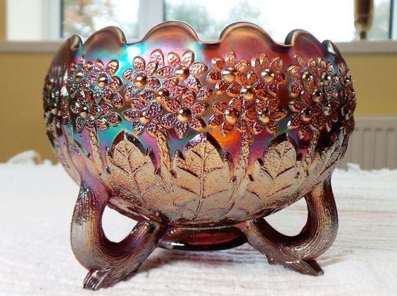 Antigo Bowl Carnival Glass / Vidro Fogo Com Decoração em Relevos Padrão Fenton,s Flower. Fenton-USA, Cerca de 1930.