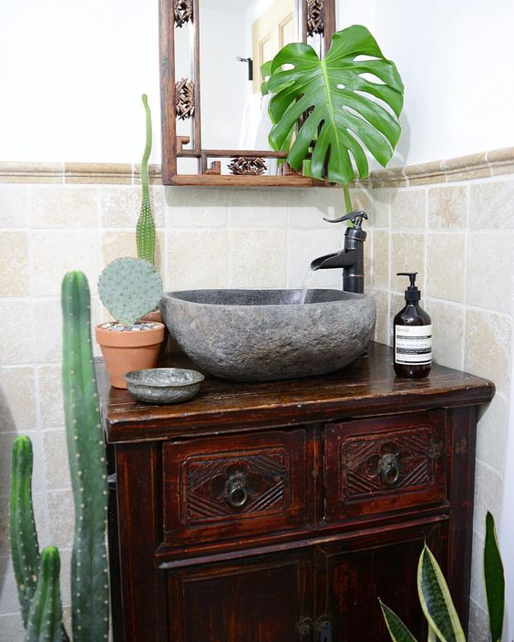 🍃🌵🍃 in the #bathroom 😳 - 📷 by @apartmentf15